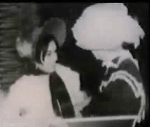 Old-time women have groupsex in retro porn movie