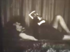 Sexy vintage moms doing lesbian fuck in explicit old porn
